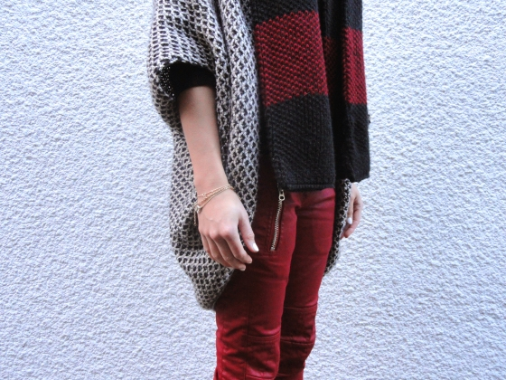 Knitted red
